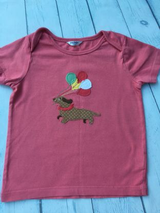 Mini Boden pink applique sausage dog with balloons tshirt age 2-3